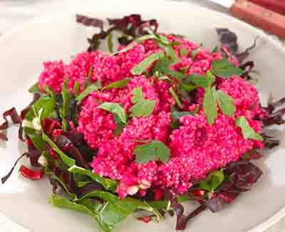 Quinoa-Salat mit roter Bete